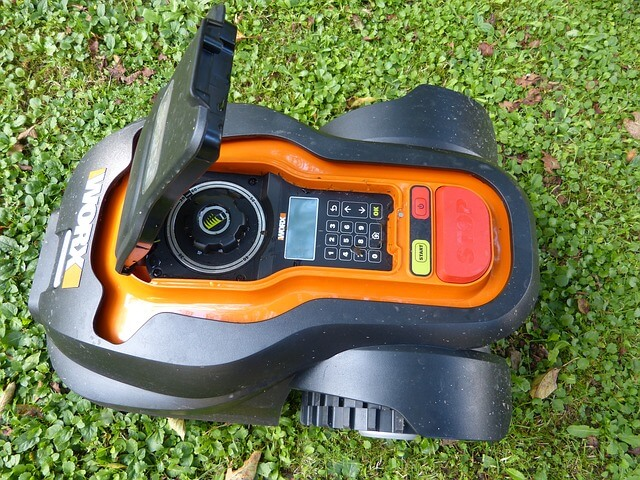 Best Robotic Lawn Mower Reviews and buyer guide